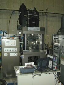 High-speed compression testing machine
